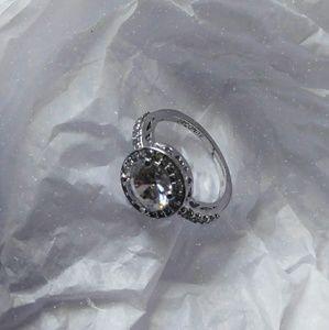 Jewelry - { LAFONN RING }